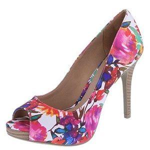 CUTE NWT Christian Siriano Women's Open-Toe Shoe